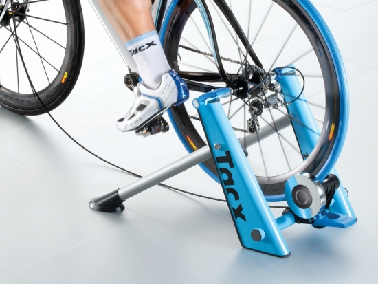 Cycletrainer Tacx Blue MotionT 2600, blau/silber